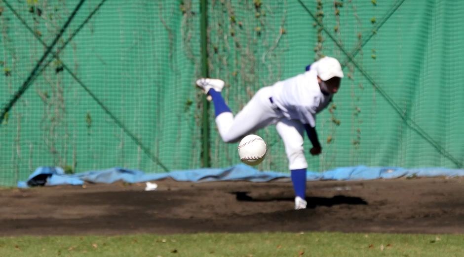 野球の投球の決定的瞬間